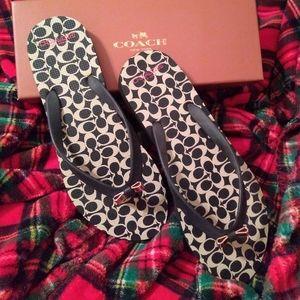 🆕 Coach Amel Signature C Flip Flops/Sandals